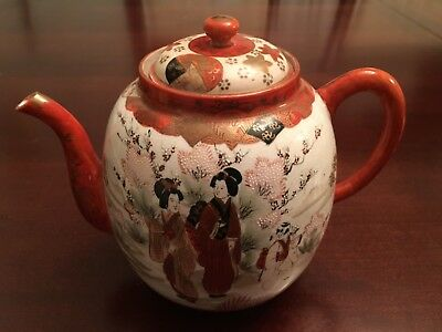 japanese Imari teapot hand made & painted signed on bottom