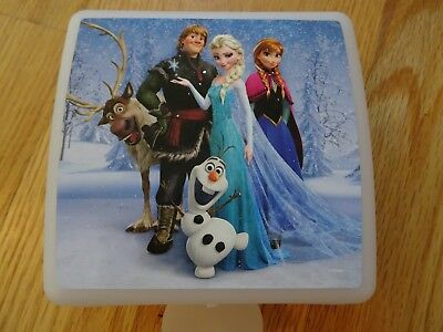 Tupperware Sandwich Keeper Disney FROZEN Ella Anna Kristoff Olaf Hinged New