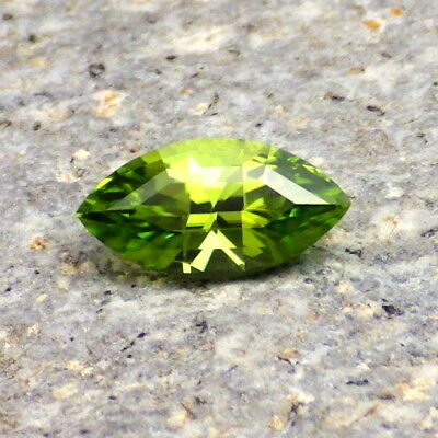 PERIDOT-ARIZONA 1.12Ct FLAWLESS-NATURAL APPLE GREEN COLOR-FOR JEWELRY