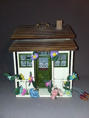 "Madame Alexander - Wizard Of Oz ""no Place Like Home"" Doll House"