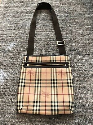 8b059b1ea498 NWT BURBERRY  995 Mens Beat Check Nylon Crossbody Messenger Purse ...
