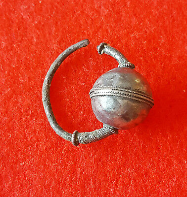 1/       Ancient Roman Silver Earring