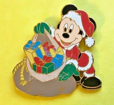 Disney Pin Santa Mickey w/ Sack of Presents Christmas Gift Retired + MK 2018 Map