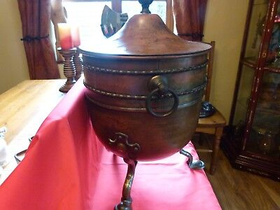 Superb Victorian Arts & Crafts Country House Copper & Brass Covered Ash Pot.