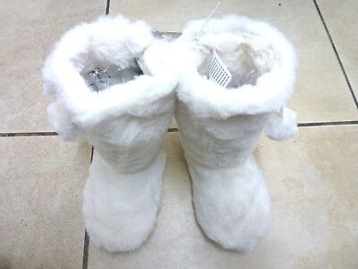 Bluezoo Girls Faux Fur Pom Pom Slipper Boots Size 10-11 BNWT RRP £13.49 Cream