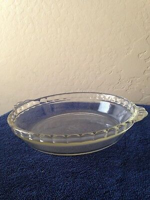 """Vintage Pyrex Clear Glass 9"""" Pie Dish with Fluted Edge, Great Condition"""