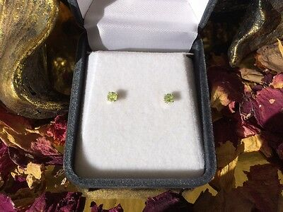 Brilliant apple green natural Peridot 3mm sterling silver claw stud earrings 🍏
