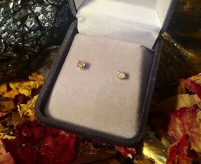 Genuine natural Ethiopian Opal 4mm faceted14k yellow gold claw stud earrings 🍭