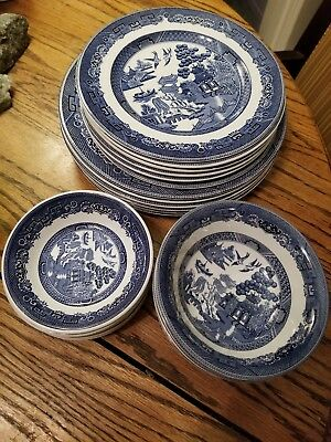 JOHNSON BROTHERS BLUE WILLOW 6 dinner 6 Salad plates 4 cereal bowls 6 fruit bowl