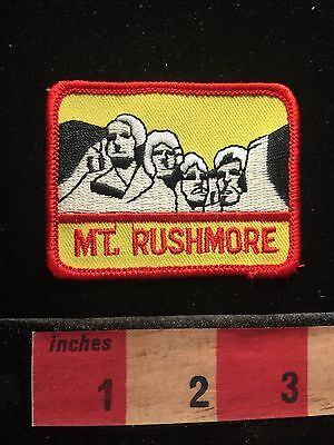 Red Border MOUNT RUSHMORE Presidents South Dakota Patch Tourist Destination 60S