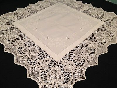 VINTAGE HAND EMBROIDERED TABLECLOTH ~ BEAUTIFUL FLOWERS And CROCHET LACE