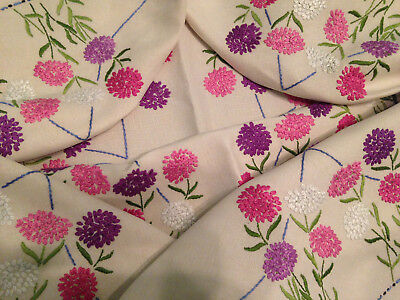 Vintage Hand Embroidered Linen Tablecloth ~  Beautiful Circle Of Clover Flowers