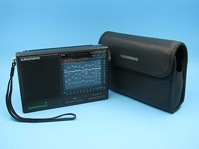 Grundig Yacht Boy 220 / 12 Bands SW 1-9 LW MW FM Radio - Mint Condition