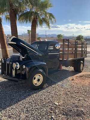 1947 Ford 1/2 Ton Pickup  1947 Green Ford 1/2 Ton Pickup Fully Restored w/ Lincoln Engine New Interior