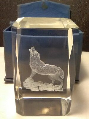 """Carved Glass Wolf Howling Insert For Light Stand With Box 2""""X2""""X3"""" Very Nice!!"""