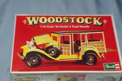 1/25Th Scale 30 Model A Ford Woody Vintage Model Kit Sealed
