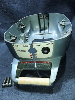 Evinrude Yachtwin 1967 3hp Model 3736C Lower Motor Cover Vintage Outboard motor