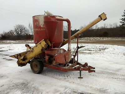 New Holland 351 Feed Grinder Mixer