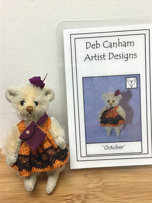 "Deb Canham, 2010 Deb Canham Convention Prize 2.5"" Mouse - October (Le#2/20)"