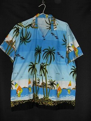 1990's Vintage Short Sleeved Hawaiian Picture Shirt.