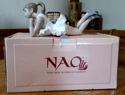 Nao By Lladro Pensive Ballerina Fine Spain Porcelain Figurine With Box