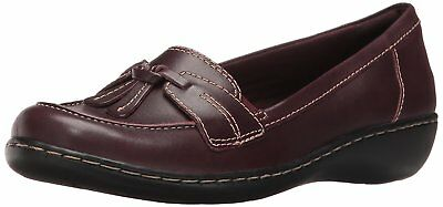 a25c01fba88 CLARKS WOMENS ASHLAND Bubble Closed Toe Loafers