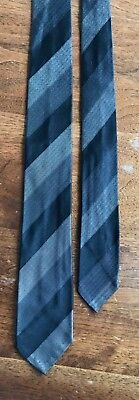 Vintage John L. Ashe Fort Worth Slim Skinny 2 1/4 in. Black Gray Silk Mens Tie