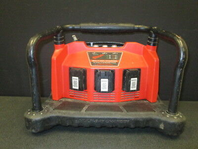 Milwaukee Multi Bay Battery Charger 48-59-0260 - 12 Volt To 18 Volt Batteries