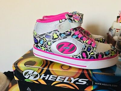 Heelys Size 2 Great Condition  PINK  Leopard  Design Comes With Original Box