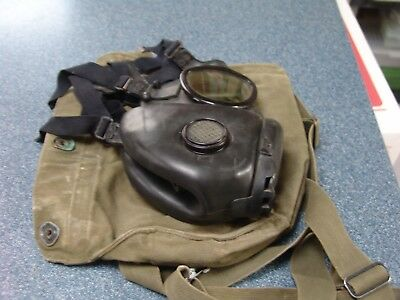 US Military  M17 Field Gas Mask w/ M9A1 Carrying Pouch Bag