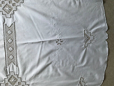 """Large Vintage White Cotton Hand Embroidered Circular Table Cloth 63"""" Diameter"""