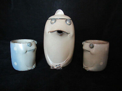 Studio Pottery Spotted Frog Tea Pot with 2 Matching Froggie Cups