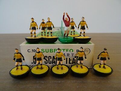 ++ Subbuteo Heavyweight Team WOLVES - Ref: 211 - In Referenced Box ++