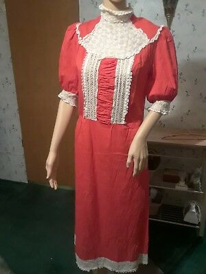 Vintage Ladies Red Cotton Dress With Lace Collar
