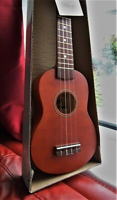 STAGG  UKULELE BOXED + Carrier Case Songbook, Electronic Tuner & Neck Strap BNIB
