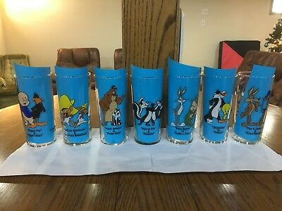 1994 Looney Tunes Warner Bros. 6'' Drinking glasses take one or all HTF