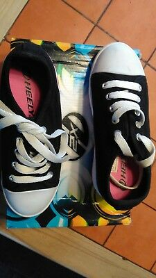 Heeleys X2 Double Wheel Skate Trainers Size Uk 1 Excellent condition