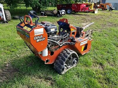 Ditch Witch RT-12 Trencher