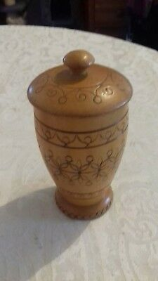 little wooden pot &lid