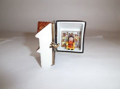 Peint Main Limoges Trinket-Doll House With Removable Doll