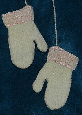 *sale* Sweetest Pair Of Antique/vintage Knit Children's Mittens With String! Wow