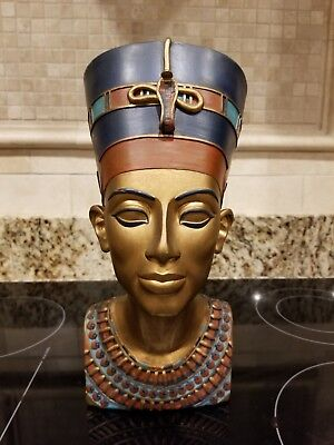 Bust Of Queen Nefertiti  14 Inches Tall