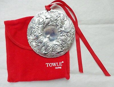 1992 Towle Sterling Silver Two Turtle Doves Wreath Christmas Ornament Pendant
