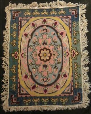 "vintage completed V stitched needelpoint wall decore tapestry rug 35.5""x26"""