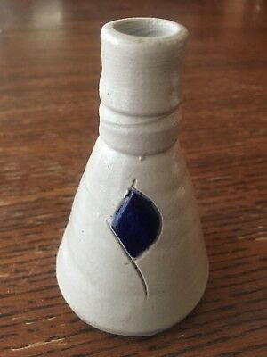 "Williamsburg Va. Stoneware Pottery Primitive Style Bud Vase 3-1/2"" High"