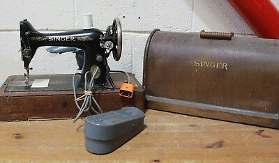 Vintage SINGER  Black and Gold ELECTRIC Sewing Machine 1930s  - 250