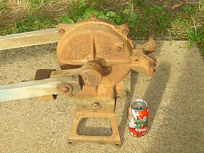 LPU* Vintage Cast Iron WINDMILL WATER WELL PUMP Model 3000 JACK Chicago IL froze