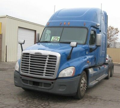 2011 Freightliner Cascadia 125 Super Clean