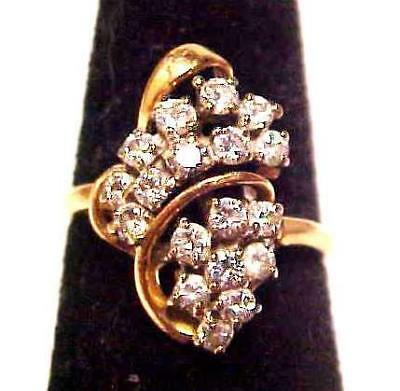 Gorgeous Vintage Retro 14K Eighteen Natural Diamonds Cocktail Ring