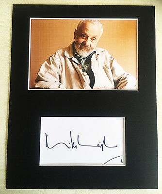 MIKE LEIGH Director HAND SIGNED AUTOGRAPH MOUNTED WITH PHOTO Vera Drake PETERLOO